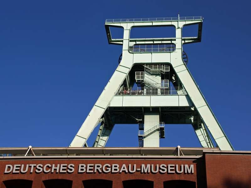 Der Förderturm des Deutschen Bergbau-Museums; Foto: 02.11.2014, Bochum-Zentrum
