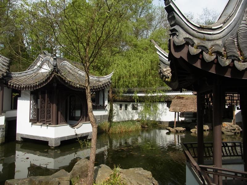 Im Chinesischen Garten im Botanischen Garten der RUB; Foto: 13.04.2014, Bochum-Querenburg