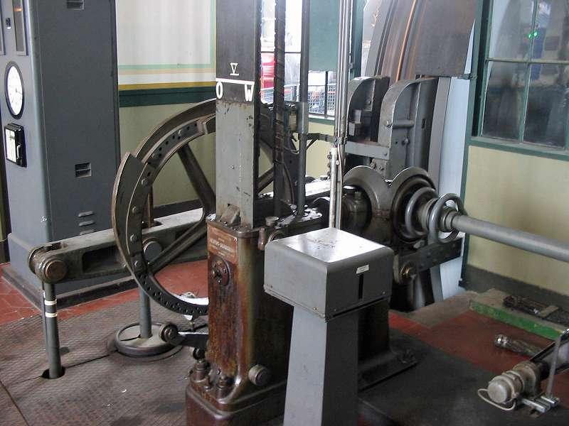 Die Technik in der Maschinenhalle der Zeche Zollern, Schacht II/IV; Foto: 01.09.2006, Dortmund