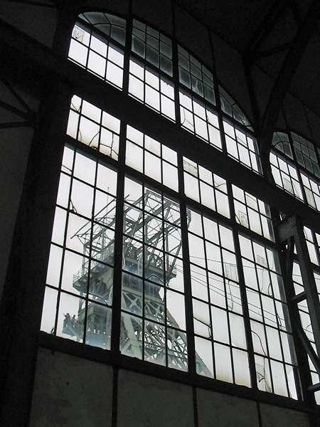 Kunstvolle Fensterscheiben der Zeche Zollern, Schacht II/IV; Foto: 01.09.2006, Dortmund