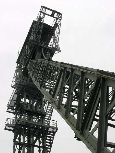 Fördergerüst von unten betrachtet, Zeche Zollern, Schacht II/IV; Foto: 01.09.2006, Dortmund
