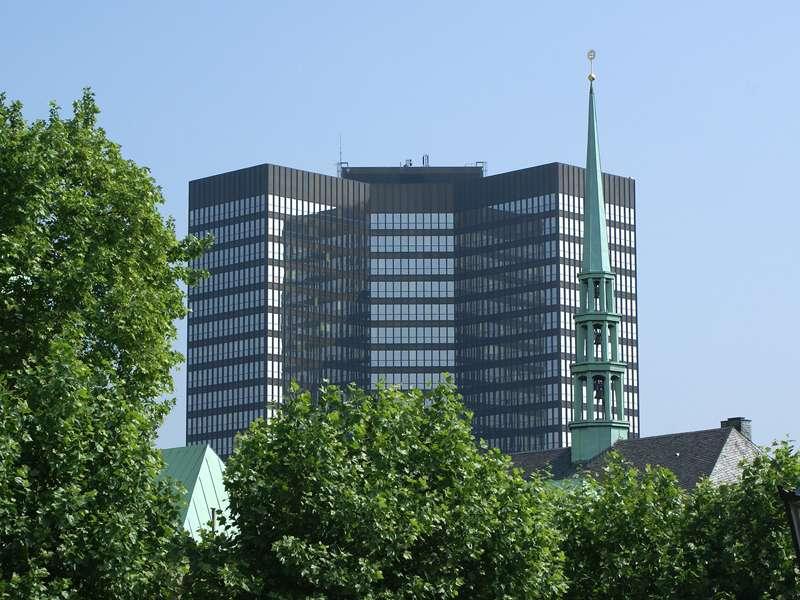 Das Essener Rathaus; Foto: 24.05.2007, Essen-Zentrum