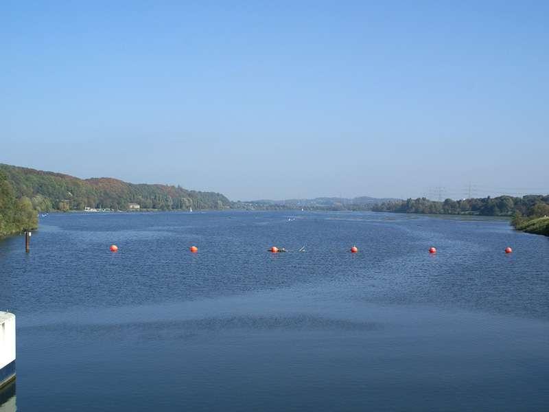 Blick über den Kemnader See nach Nordosten; Foto: 15.10.2007, Hattingen-Blankenstein