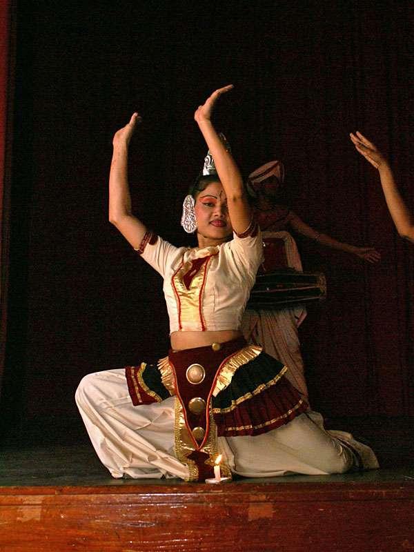 Kandy-Tänzerin beim Poya-Tanz; Foto: 10.11.2006, Kandy