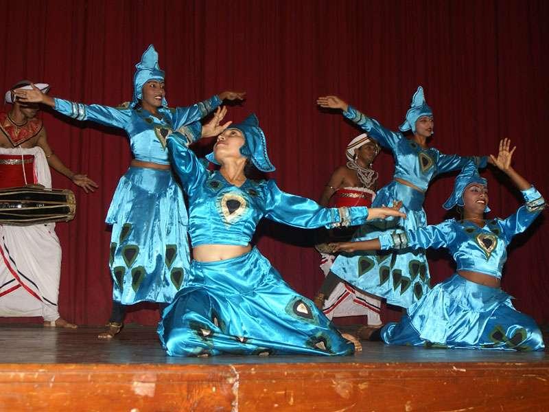 Der Elefant-Schmetterling-Pfauen-Tanz ist der traditionelle Kandy-Tanz; Foto: 10.11.2006, Kandy