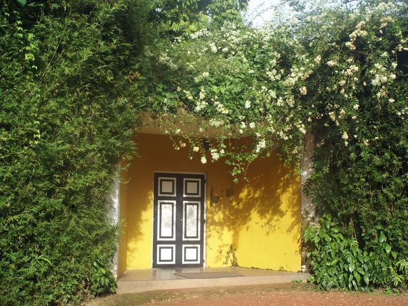 Das Eingangsportal von Brief Garden; Foto: November 2006, Kalawila