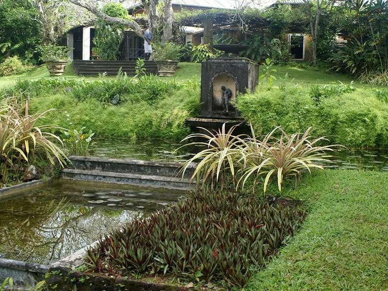 Kleiner Wassergarten im Brief Garden; Foto: November 2006, Kalawila