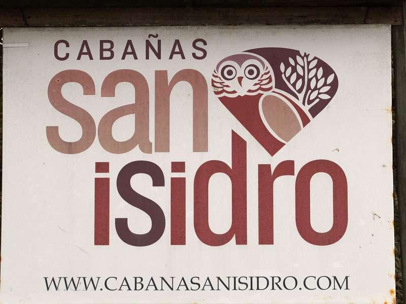 Das Schild der Cabañas San Isidro Lodge; Foto: 07.12.2017, Nähe Cosanga
