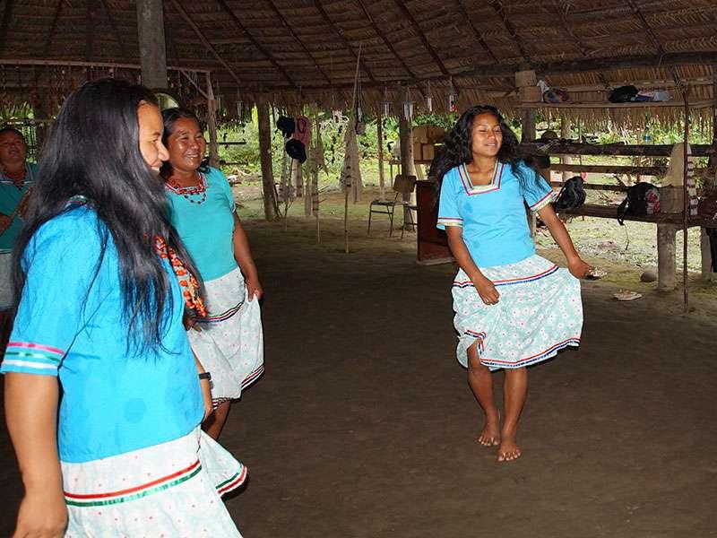 Die Frauen der Comunidad Kichwa Añangu sind nicht nur wunderschön, sondern auch immer gut gelaunt; Foto 12.12.2017, Napo Cultural Center