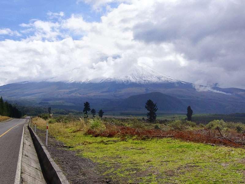 Der Gipfel des Cotopaxi ist immer mit Schnee bedeckt und häufig in Wolken gehüllt; Foto: 26.12.2017, Cotopaxi-Nationalpark