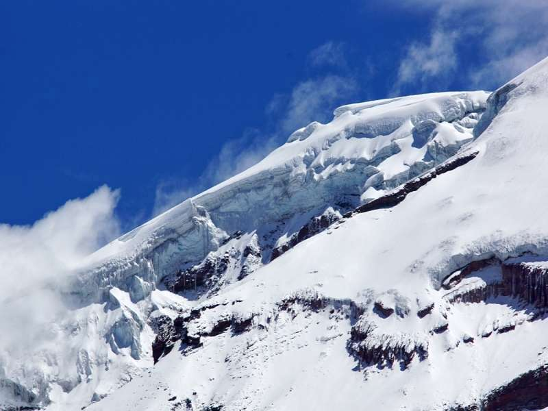 Meterhoch türmt sich das Gletschereis auf dem Chimborazo auf; Foto: 27.12.2017, Foto: 27.12.2017, Reserva de Producción de Fauna Chimborazo