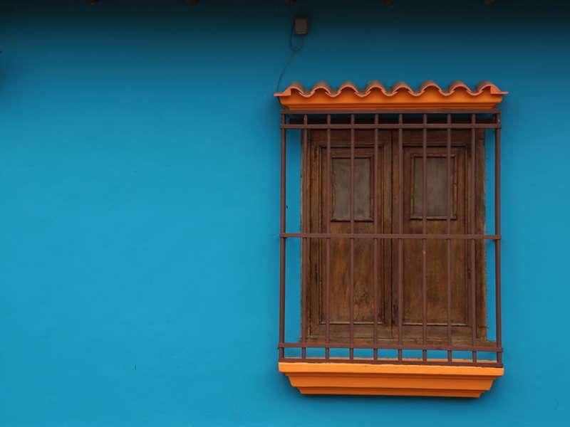 Geschlossenes Fenster eines Hauses in Canoabo; Foto: 18.04.2013, Canoabo