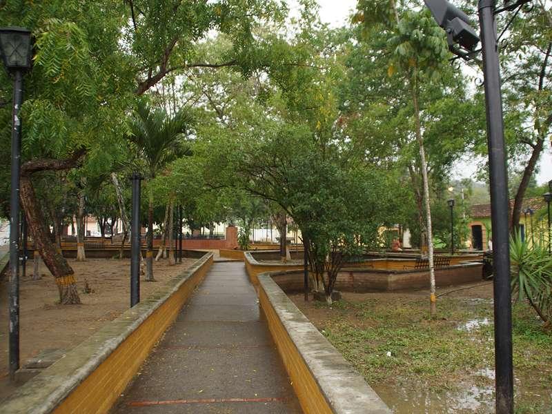 Plaza Bolívar in Canoabo; Foto: 18.04.2013, Canoabo