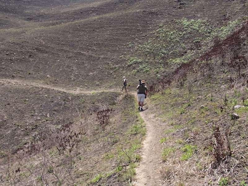 Kahle westliche Flanke des Bergrückens am Cerro San Isidro; Foto: 22.04.2013, Nähe Montalbán